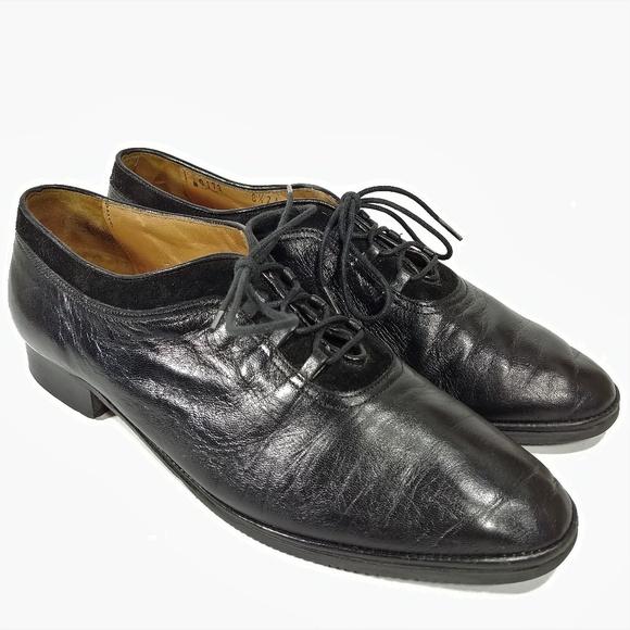 33c194aa6f9ab Vintage Roberto Capucci Black Flats Sz 8.5AA